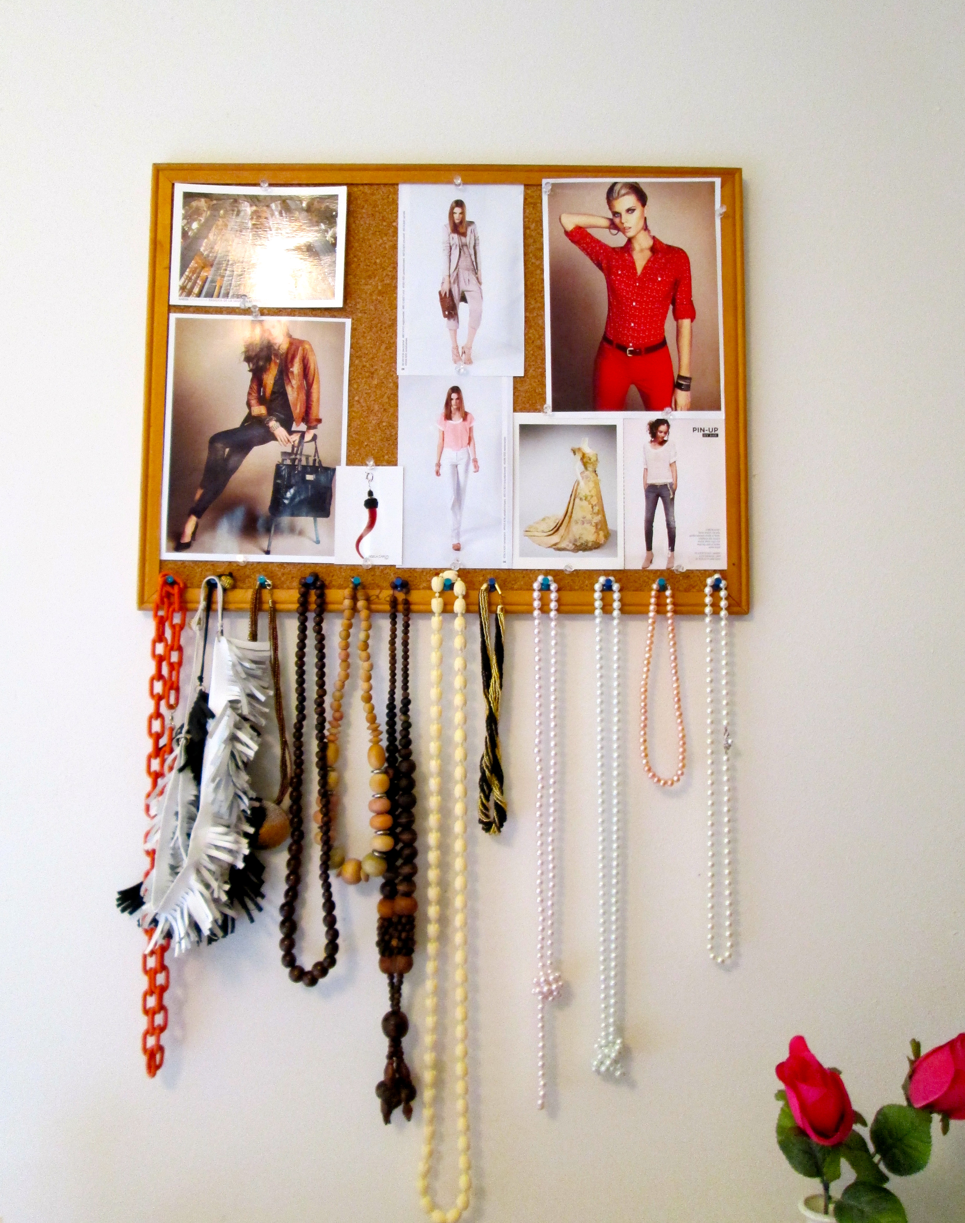 Jewelry organizer idea inspiration bulletin board for Bulletin board organizer