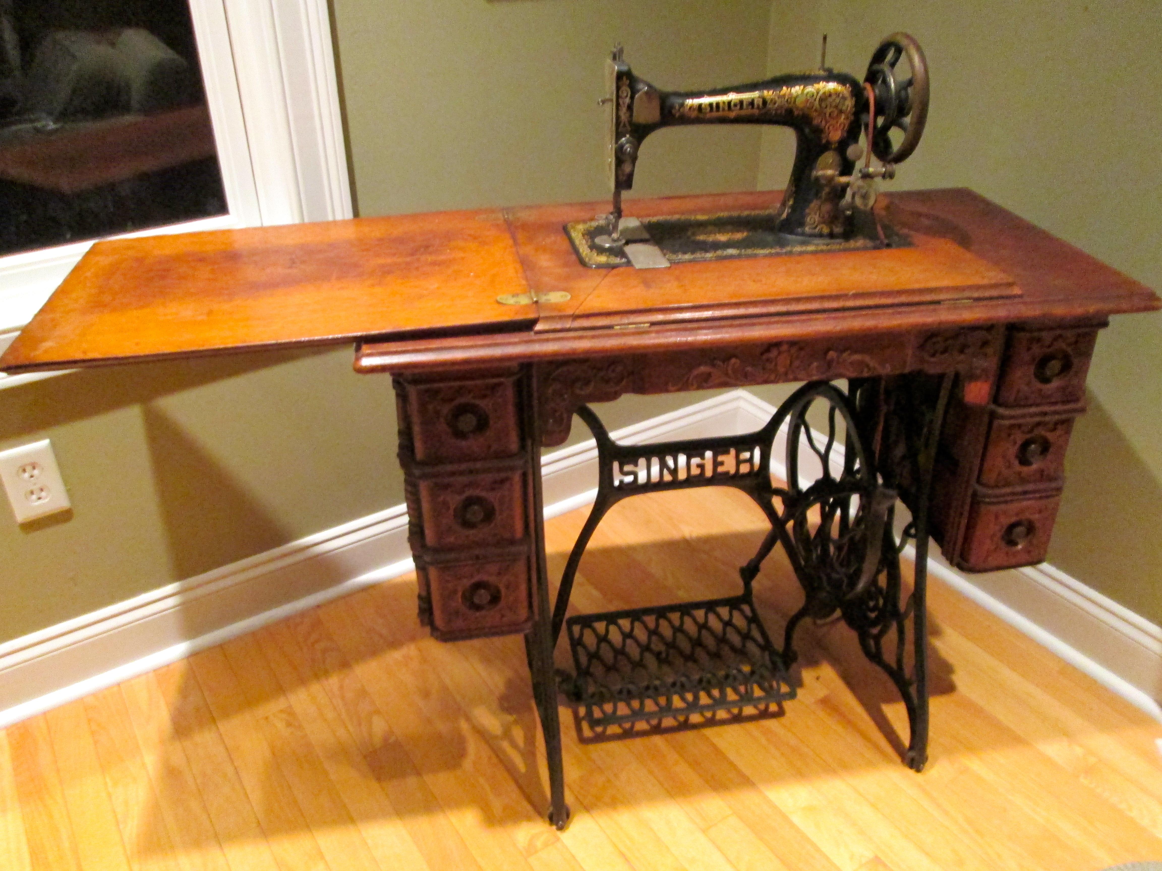 Vintage Singer Sewing Machine 1800s  miaprimacasa wordpress