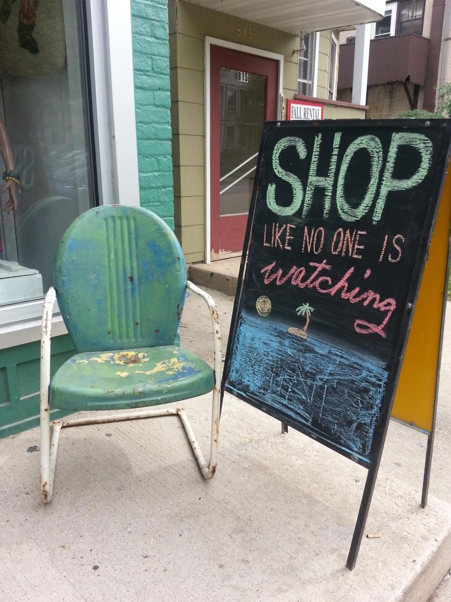 "Madison's Good Style Shop & A ""New"" 60s Bikini"