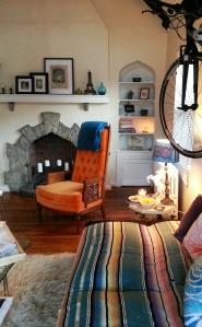 My Eclectic Living Room #apartmentliving miaprimacasa.com