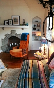 My Eclectic Living Room #apartmentliving miaprimacasa.com