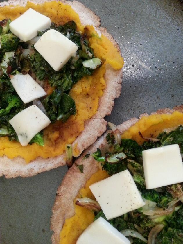Homemade Vegan Squash & Kale Pizzas miaprimacasa.com