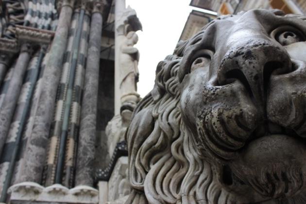 Stone Lion Genova, Italian #100DaysofMiaPrima