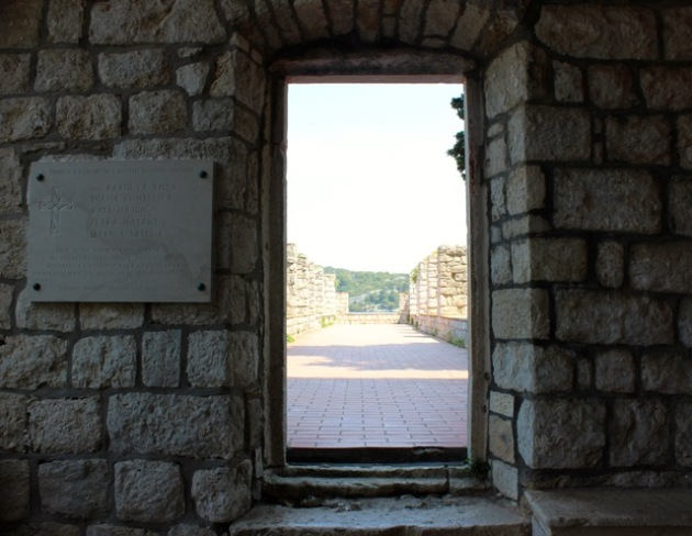 Windows of Dubrovnik, Croatia #100DaysofMiaPrima 12