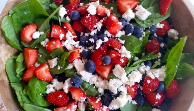 Red, White, and Blue Fourth of July Salad #100DaysofMIaPrima